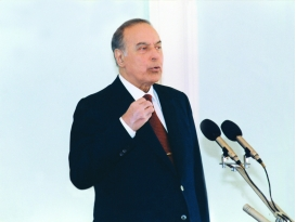 Heydar Aliyev meets the participants of TURKSOY Conference