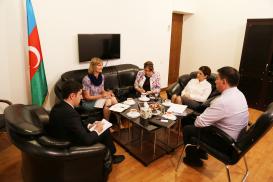 La funcionaria de la agencia NORLA estuvo de visita en el Centro de Traducción
