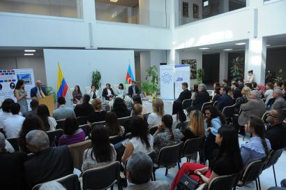 Se realizó la presentación de la Antología de Poemas de Colombia y Azerbaiyán