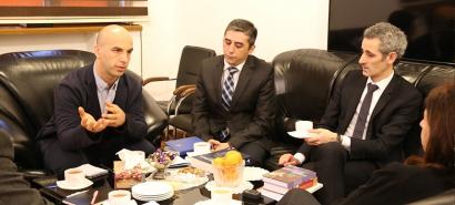 El nuevo Embajador de Francia visitó el Centro de Traducción