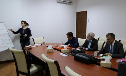 El Centro de Traducción de Azerbaiyán organiza cursos de idioma azerbaiyano para los extranjeros no residentes (los extranjeros que viven en Azerbaiyán)