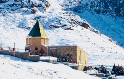 Das Derwisch-Kloster am Alindscha-Fluss