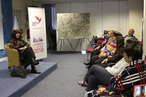 """В Лондоне состоялась презентация сборника стихов Лейлы Алиевой """"Мир тает как сон..."""", изданной на английском языке"""
