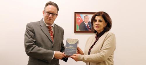 مقام رسمی اتریشی در بنیاد ترجمه دولتی آذربایجان حضور داشته است.